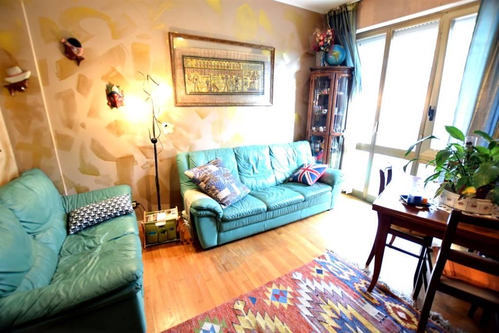 Appartamento CALZABIGI, MAMELI € 225.000