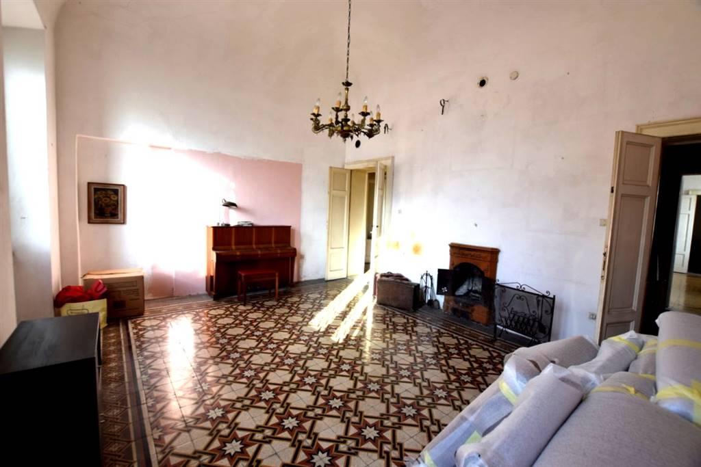 Appartamento in Vendita a Livorno: 5 locali, 180 mq
