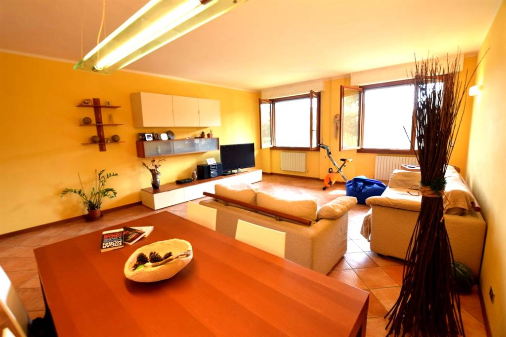 Appartamento in Vendita a Livorno: 4 locali, 144 mq