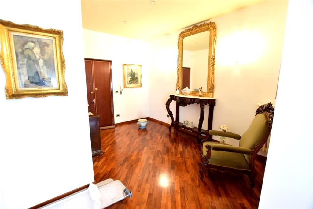 Appartamento in Vendita a Livorno: 4 locali, 170 mq