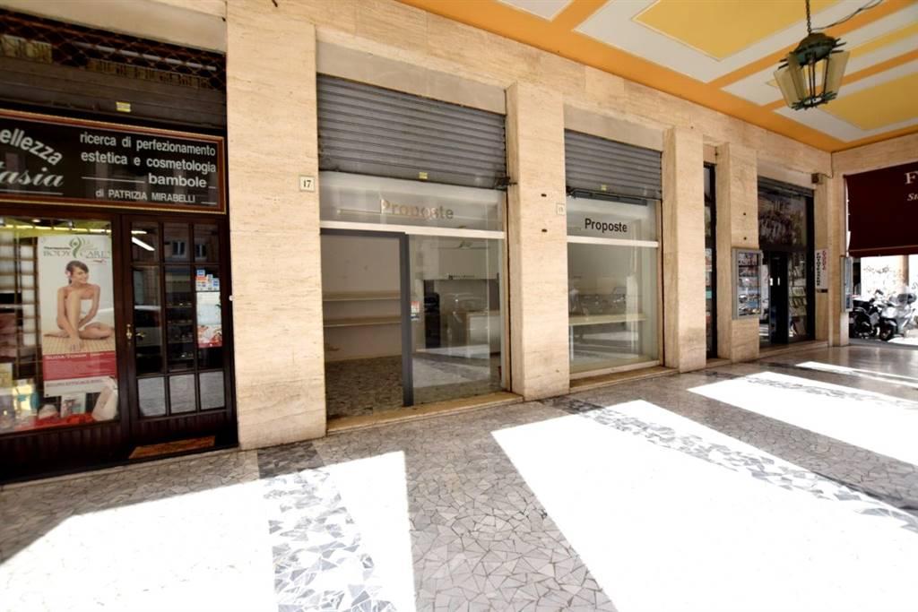 Negozio-locale in Vendita a Livorno: 2 locali, 80 mq