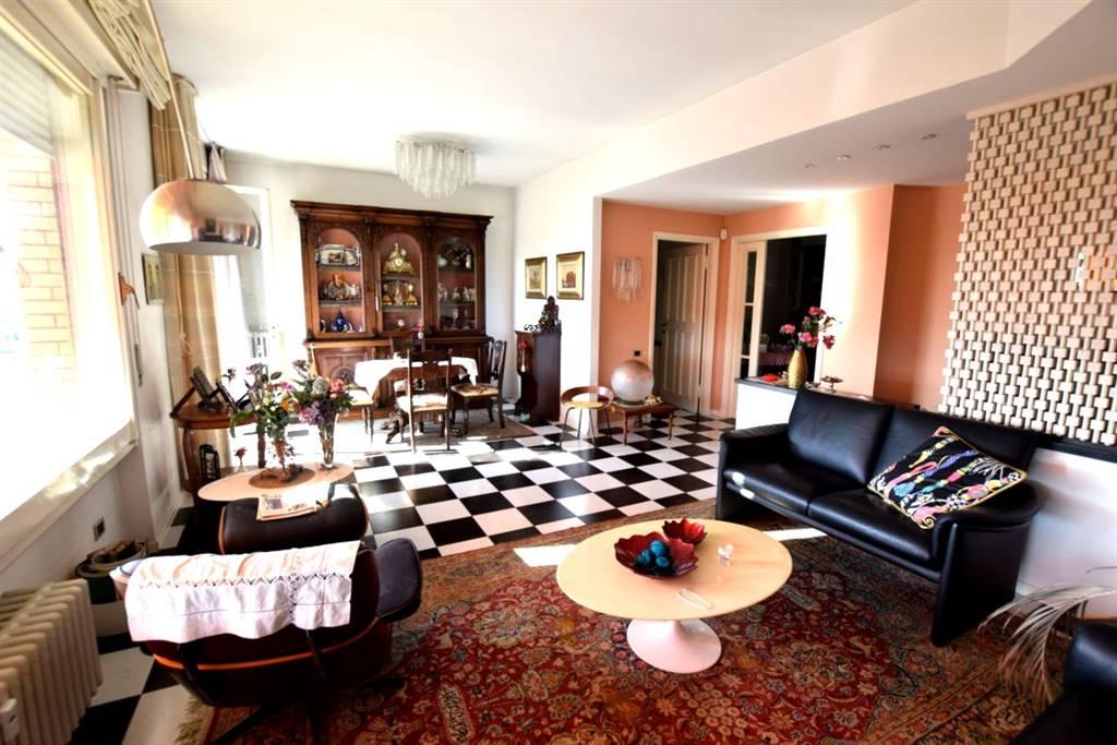 Appartamento in Vendita a Livorno: 4 locali, 120 mq