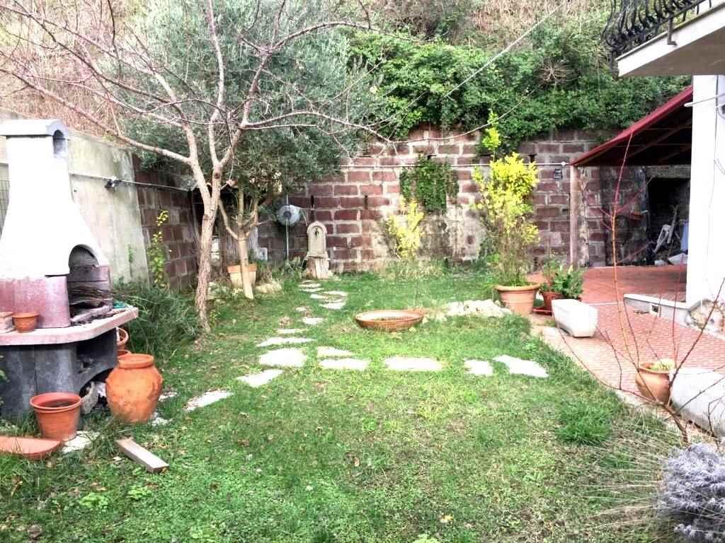 Appartamento in Vendita a Rosignano Marittimo: 5 locali, 110 mq