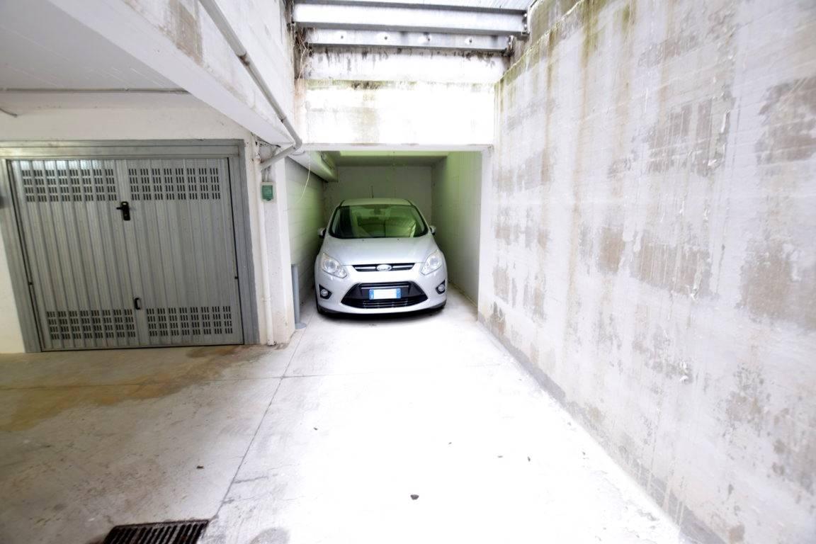 Posto-box auto in Vendita a Livorno:  1 locali, 14 mq  - Foto 1