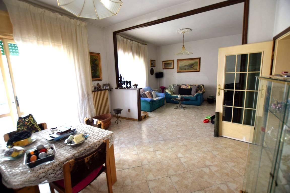 Appartamento in Vendita a Livorno: 5 locali, 190 mq