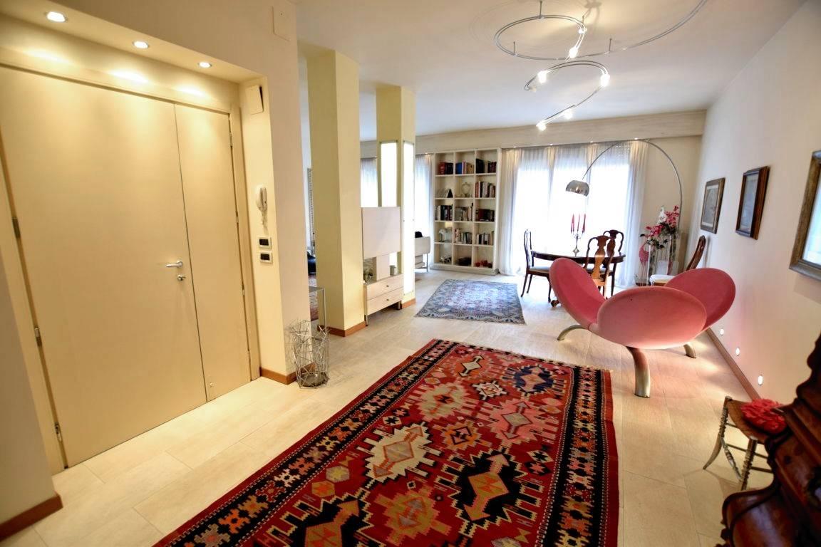 Appartamento in Vendita a Livorno: 5 locali, 140 mq