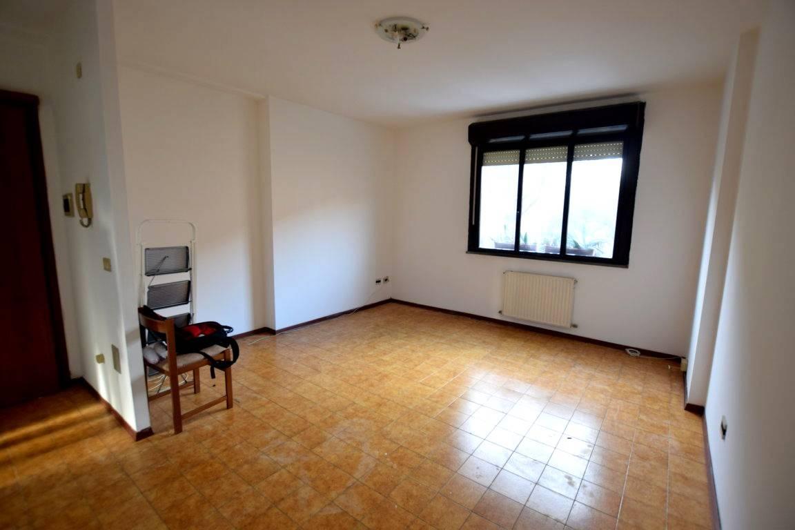 Appartamento in Vendita a Livorno: 4 locali, 100 mq