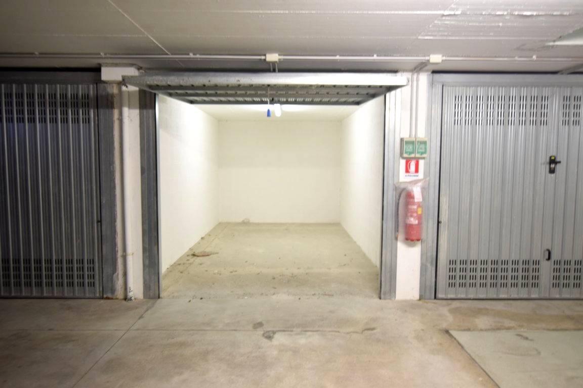 Posto-box auto in Vendita a Livorno: 1 locali, 16 mq