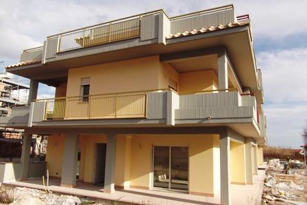 Villa in vendita a Formia, 5 locali, zona Zona: Penitro, prezzo € 350.000 | CambioCasa.it