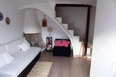 Palazzo / Stabile in vendita a Formia, 4 locali, zona Zona: Maranola, prezzo € 120.000 | Cambio Casa.it