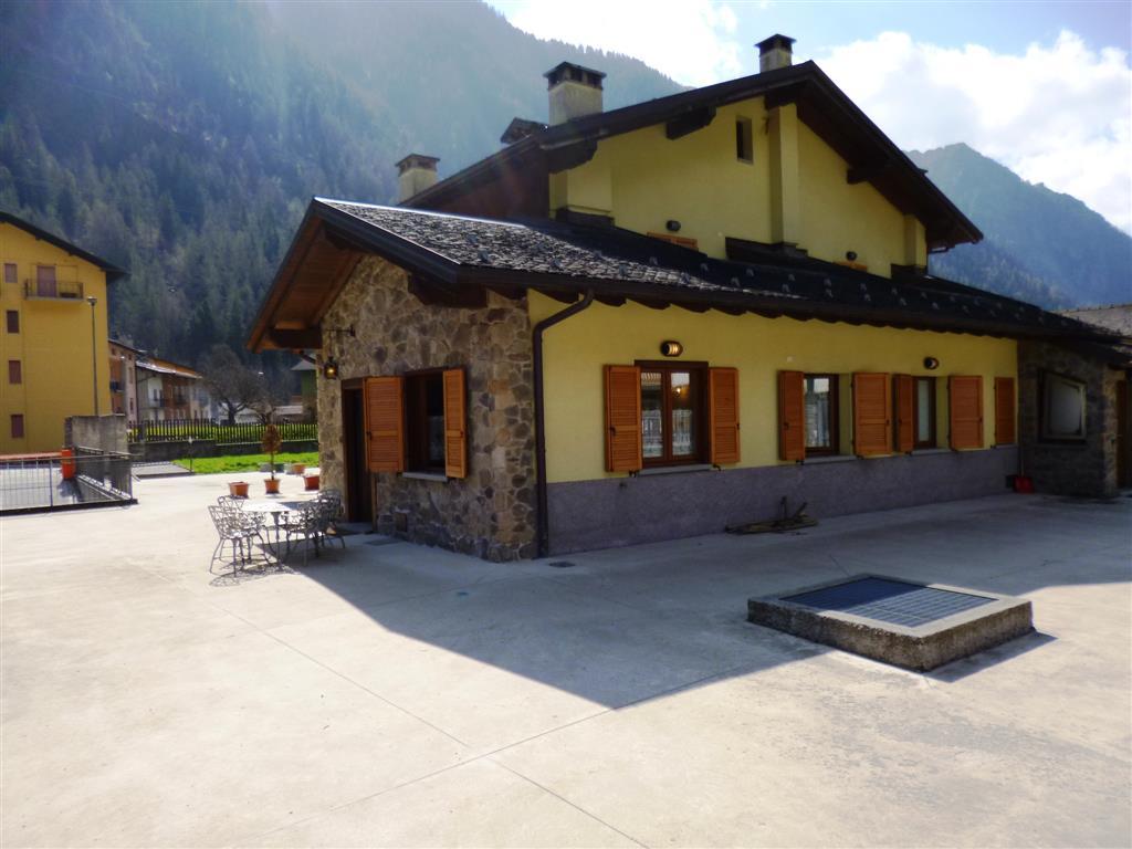 Soluzione Indipendente in vendita a Branzi, 3 locali, zona Zona: Gardata, prezzo € 148.000 | Cambio Casa.it
