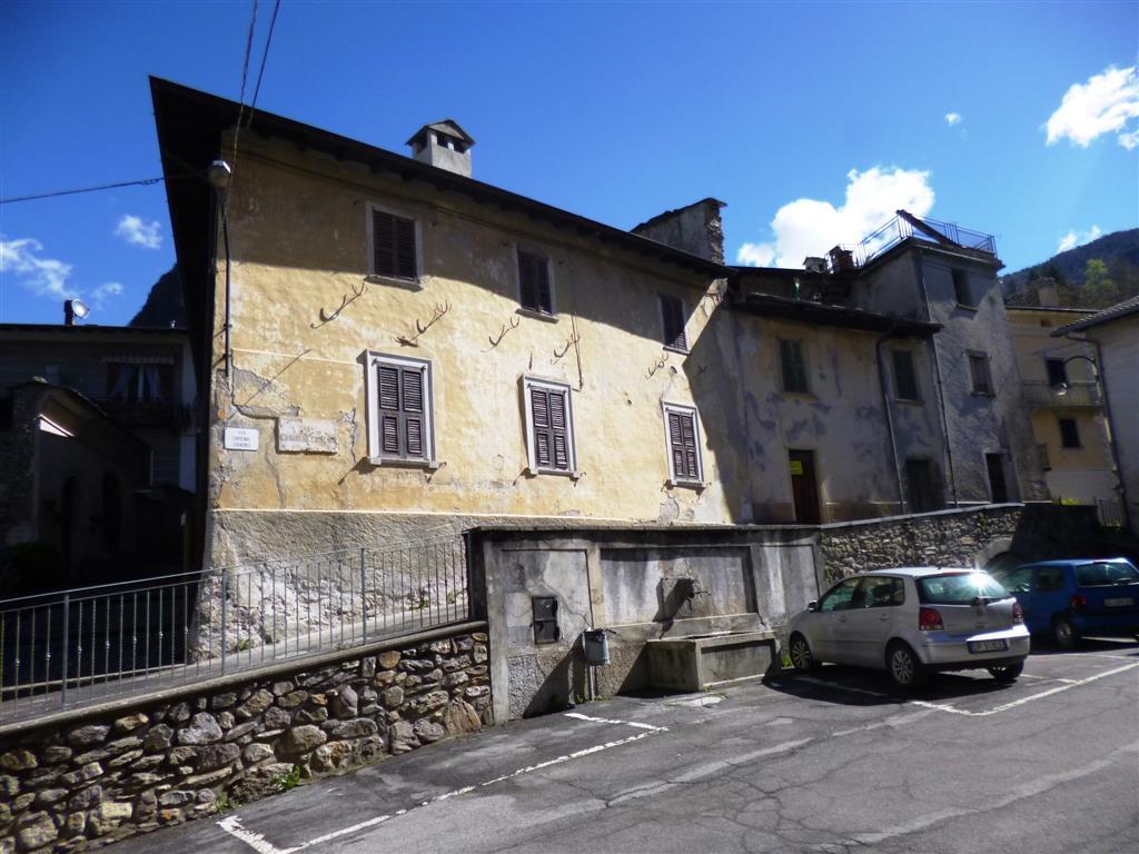 Rustico / Casale in vendita a Roncobello, 6 locali, zona Zona: Bordogna, prezzo € 35.000 | Cambio Casa.it