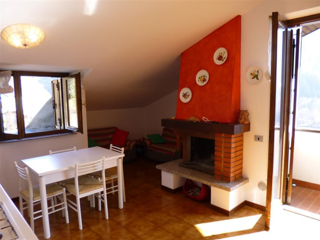 Attico / Mansarda in vendita a Branzi, 3 locali, prezzo € 89.000 | CambioCasa.it