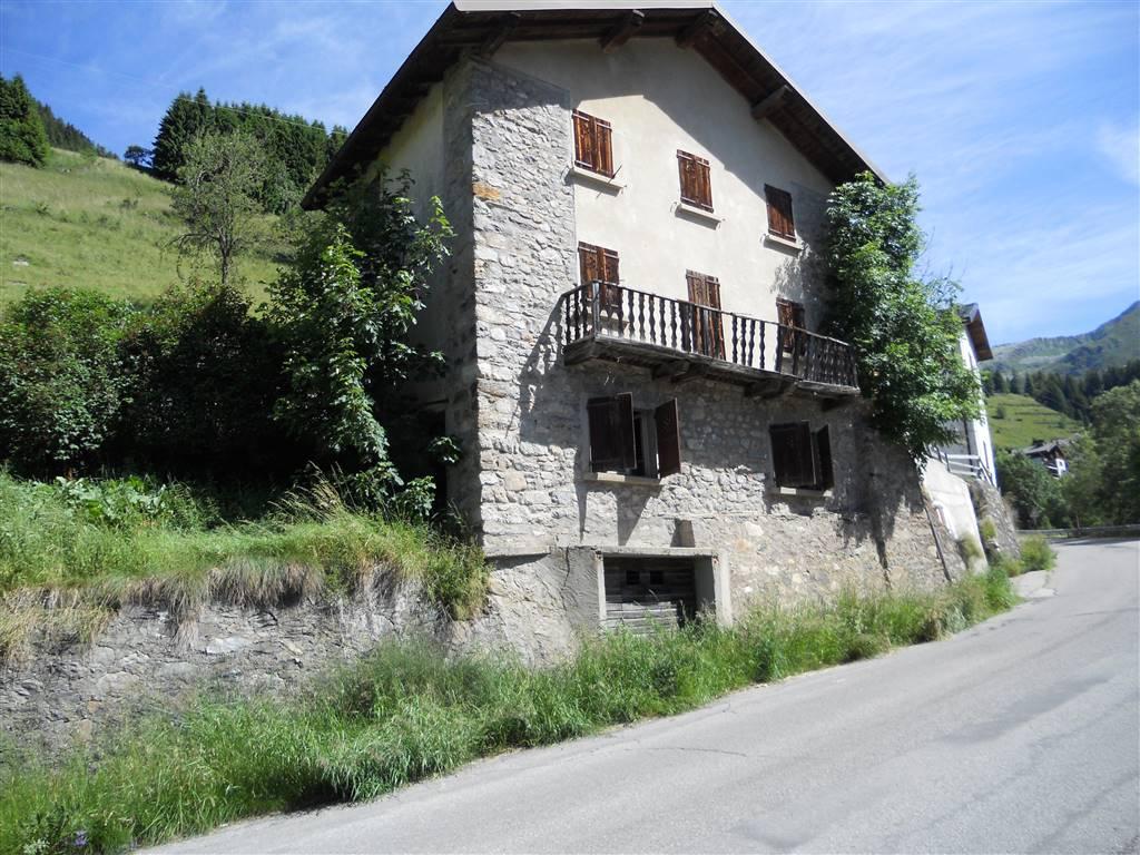 Rustico / Casale in vendita a Foppolo, 7 locali, prezzo € 53.000 | CambioCasa.it
