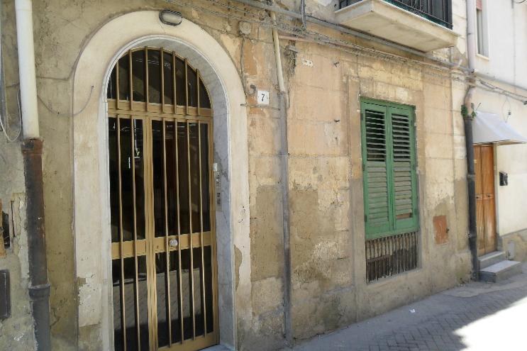 Trilocale, Caltanissetta, ristrutturato