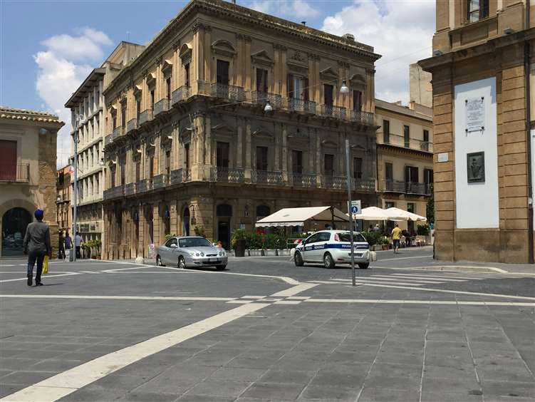 Palazzo-stabile Vendita Caltanissetta