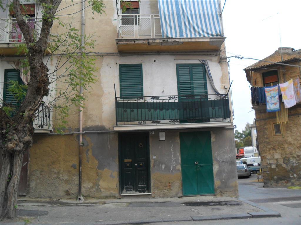 Appartamento indipendente in Viale Amedeo, Caltanissetta