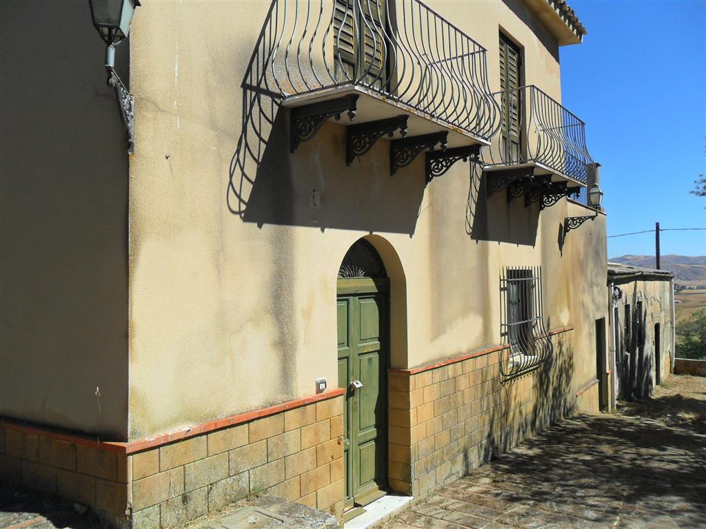 Rustico casale in Contrada Fontanelle, Periferia, Caltanissetta