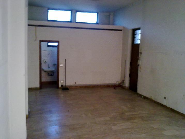 Negozio / Locale in affitto a Guardamiglio, 1 locali, prezzo € 350 | Cambio Casa.it