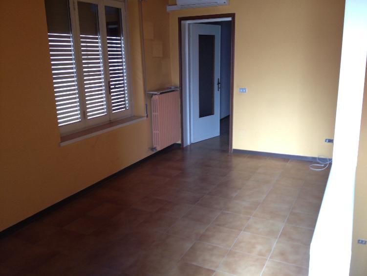 Soluzione Semindipendente in affitto a Somaglia, 3 locali, prezzo € 350 | Cambio Casa.it