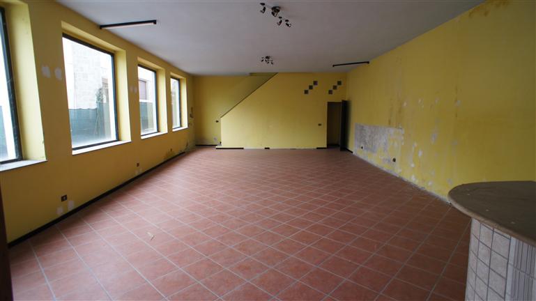 Magazzino in vendita a Casalpusterlengo, 3 locali, zona Zona: Zorlesco, prezzo € 95.000 | Cambio Casa.it