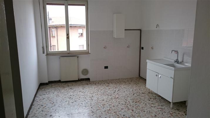 Appartamento in vendita a Casalpusterlengo, 3 locali, prezzo € 55.000 | Cambio Casa.it