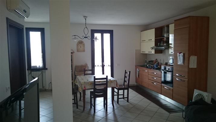 Villa a Schiera in vendita a Castiglione d'Adda, 3 locali, prezzo € 135.000 | Cambio Casa.it