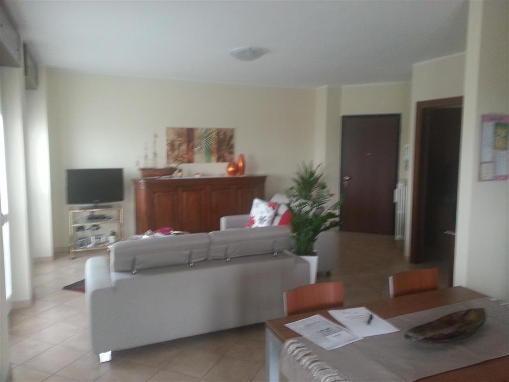 Appartamento in vendita a Casalpusterlengo, 4 locali, prezzo € 145.000 | Cambio Casa.it