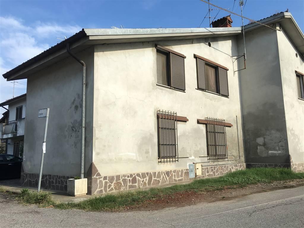 Appartamento in vendita a Turano Lodigiano, 4 locali, zona Zona: Melegnanello, prezzo € 35.000 | Cambio Casa.it