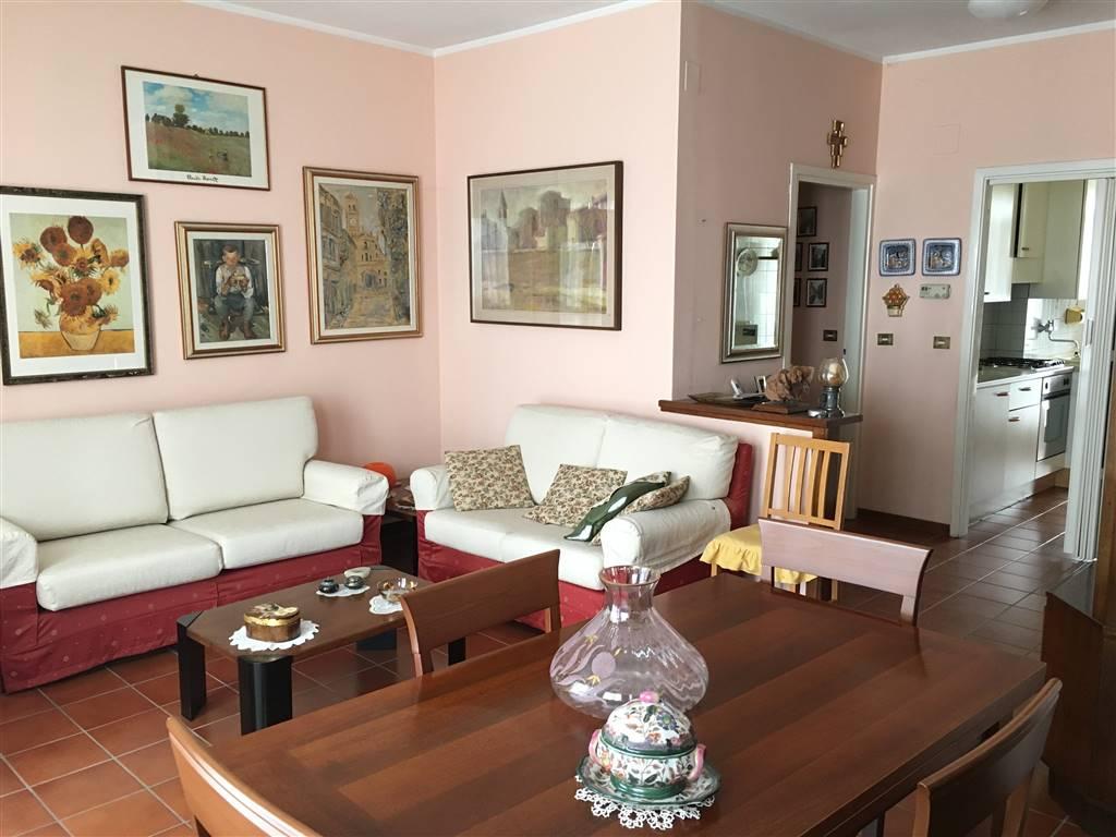 Appartamento in vendita a Codogno, 5 locali, prezzo € 79.000 | Cambio Casa.it