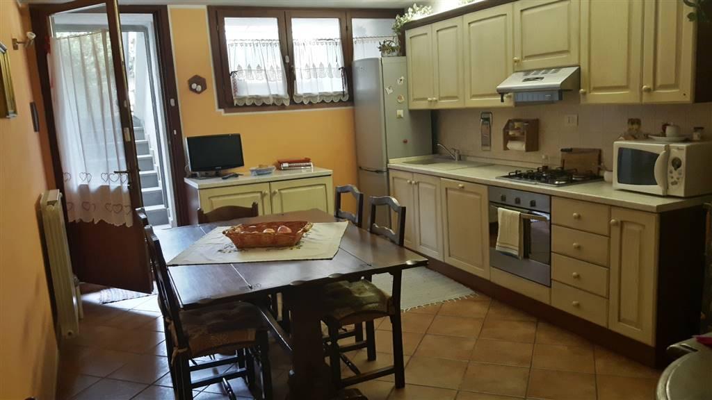 Villa in vendita a Poggio a Caiano, 6 locali, zona Zona: Bonistallo, prezzo € 360.000 | Cambio Casa.it