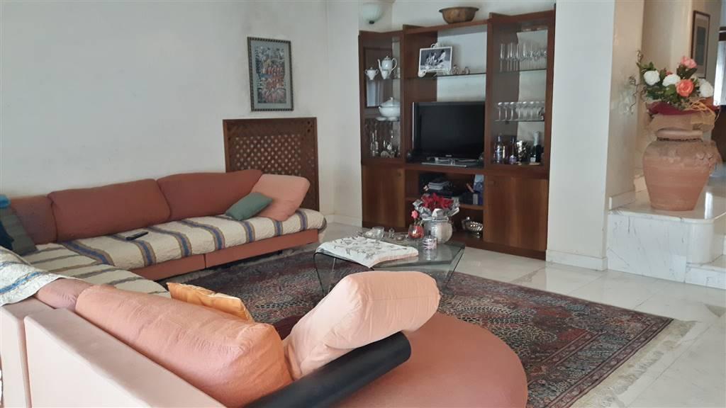 Villa in vendita a Poggio a Caiano, 7 locali, zona Zona: Poggetto, prezzo € 620.000 | Cambio Casa.it