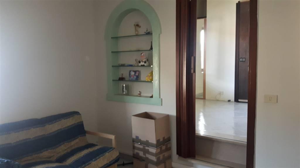 Appartamento in vendita a Vaiano, 3 locali, prezzo € 55.000   CambioCasa.it