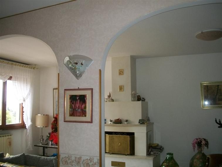 Villa-Villetta  in Vendita a Capolona