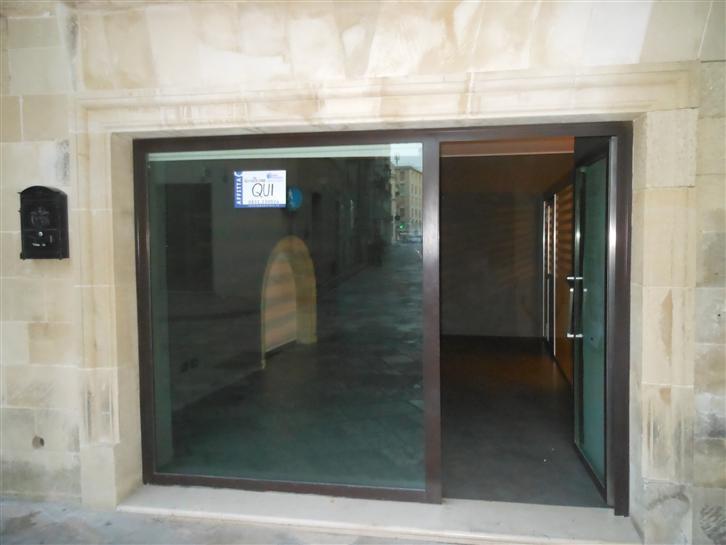 Locali commerciali lecce in vendita e in affitto cerco for Cerco locali commerciali in affitto roma