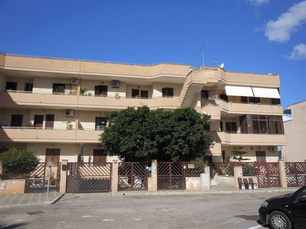 Appartamento in vendita a Lizzanello, 3 locali, prezzo € 58.000 | Cambio Casa.it