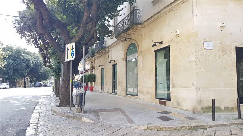 Locale commerciale in Via Xxv Luglio  15, Centro Storico, Lecce