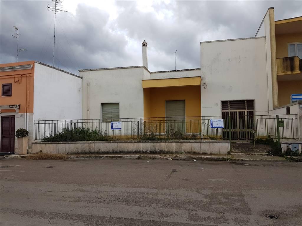 Villa in vendita a Cavallino, 6 locali, prezzo € 153.000 | Cambio Casa.it