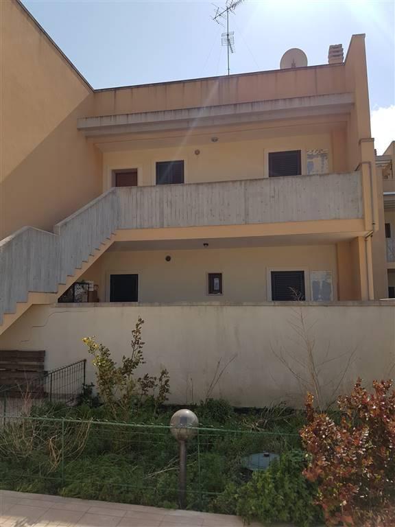 Soluzione Indipendente in affitto a Lecce, 3 locali, zona Località: VIA ADRIATICA, prezzo € 450   Cambio Casa.it