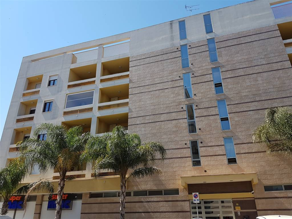 Appartamento in affitto a Lecce, 3 locali, zona Località: VIA TARANTO, prezzo € 650 | Cambio Casa.it