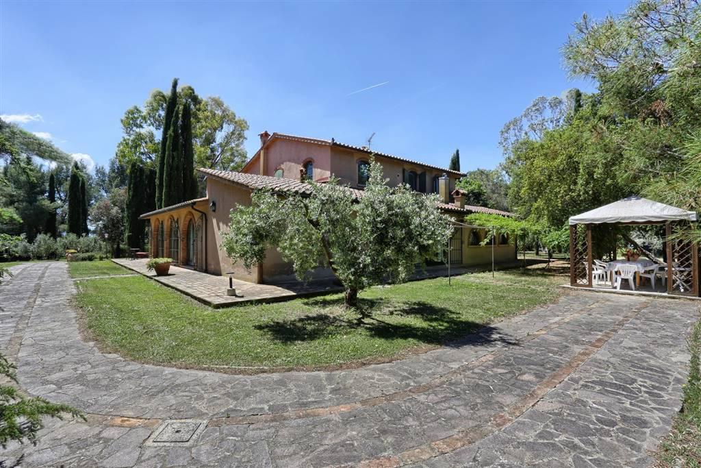 Rustico / Casale in vendita a Cecina, 15 locali, Trattative riservate | CambioCasa.it