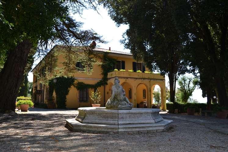 Soluzione Indipendente in vendita a Castagneto Carducci, 35 locali, Trattative riservate | Cambio Casa.it