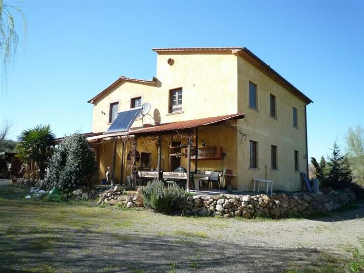 Rustico / Casale in vendita a Montecatini Val di Cecina, 12 locali, prezzo € 630.000 | CambioCasa.it