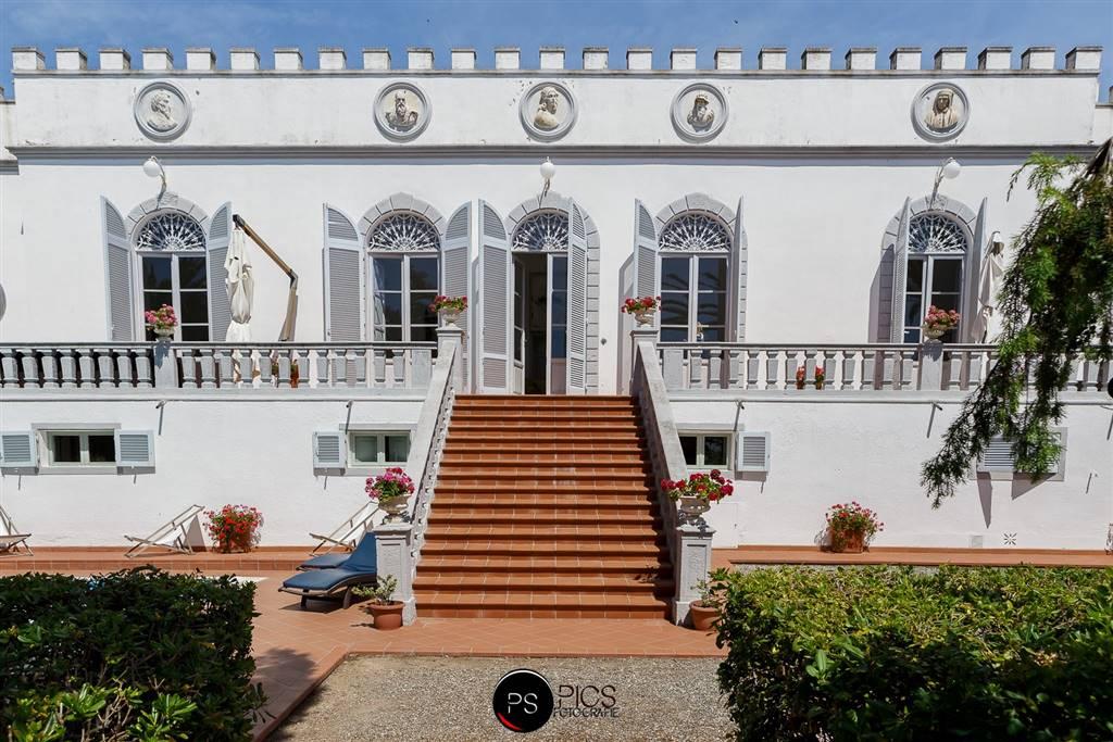 Villa in vendita a Rosignano Marittimo, 14 locali, Trattative riservate   CambioCasa.it