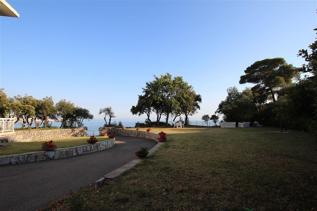 Villa in vendita a Rosignano Marittimo, 10 locali, zona Zona: Castiglioncello, prezzo € 5.000.000   CambioCasa.it