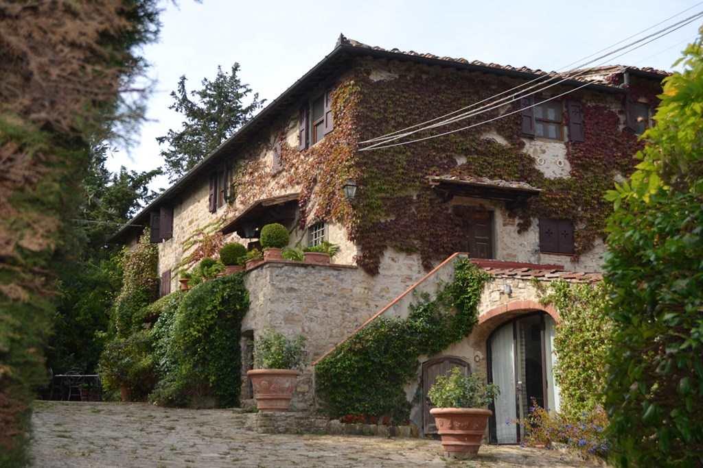 Rustico / Casale in vendita a Siena, 8 locali, zona Zona: Periferia, prezzo € 3.300.000 | CambioCasa.it