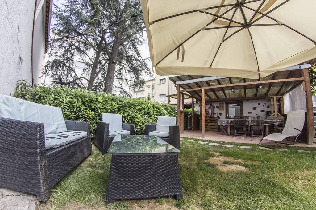 Villa in vendita a Cecina, 13 locali, prezzo € 600.000 | Cambio Casa.it