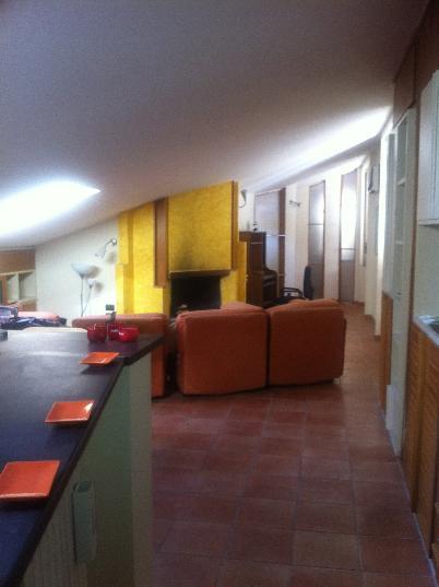 Attico / Mansarda in vendita a Salerno, 3 locali, zona Zona: Centro Storico, prezzo € 250.000 | Cambiocasa.it