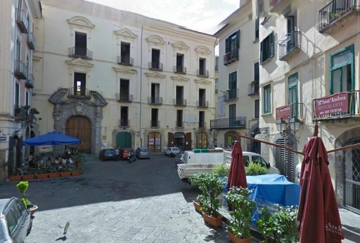 case centro storico salerno in vendita e in affitto