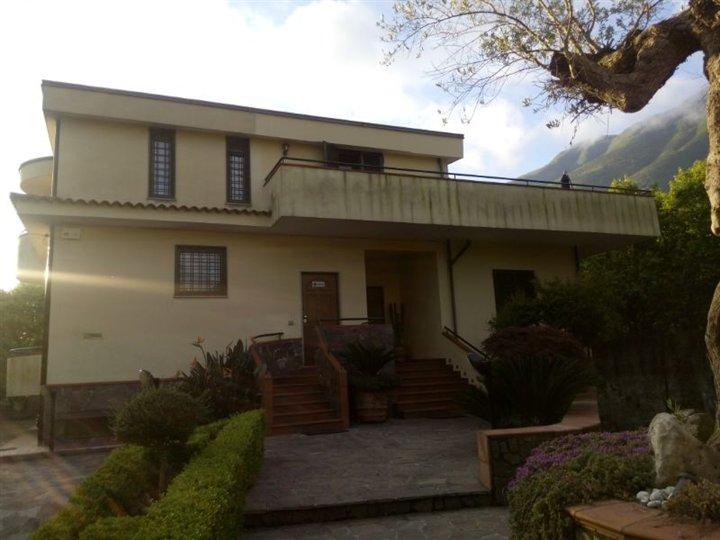 Appartamento indipendente in Via Degli Olivetani, Nocera Inferiore